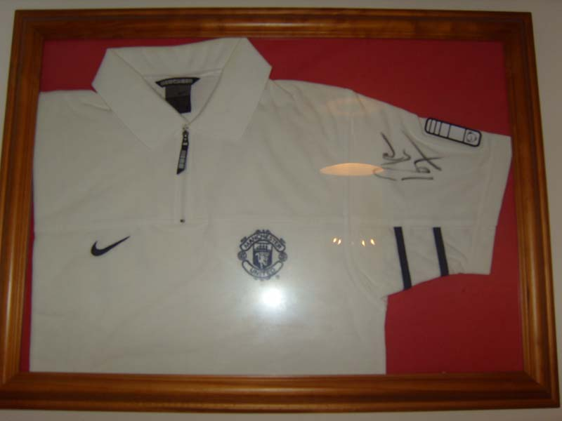 Signed Roy Keane Top