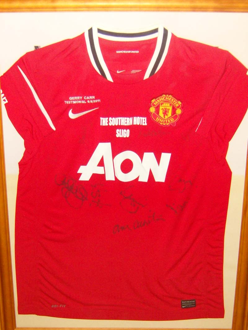 A signed Man Utd Legends Jersey